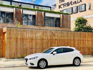 Cần bán xe Mazda 3 năm sản xuất 2016, màu trắng