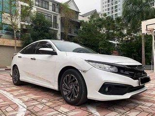 Xe Honda Civic sản xuất năm 2019, màu trắng, nhập khẩu còn mới