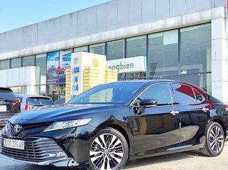 Bán Toyota Camry sản xuất 2020, màu đen, nhập khẩu nguyên chiếc còn mới