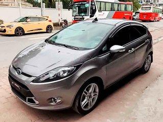 Cần bán Ford Fiesta sản xuất năm 2013, màu xám còn mới, 310tr