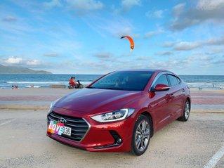 Cần bán xe Hyundai Elantra đời 2018 bản full 2.0 tự động