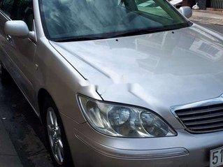 Cần bán lại xe Toyota Camry sản xuất năm 2003 xe gia đình, giá tốt