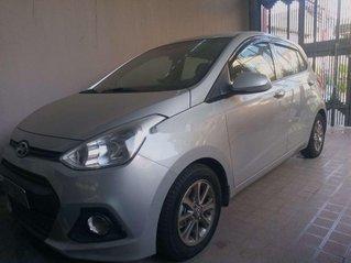 Cần bán gấp Hyundai Grand i10 năm sản xuất 2013, màu bạc, xe nhập còn mới