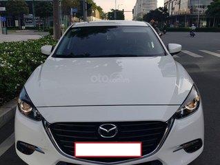 Bán xe Mazda 3 màu trắng sản xuất 2018