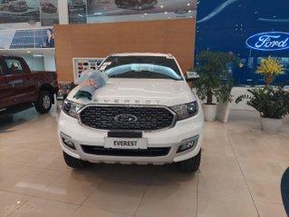 Ford Everest màu trắng model 2021, ưu đãi hấp dẫn