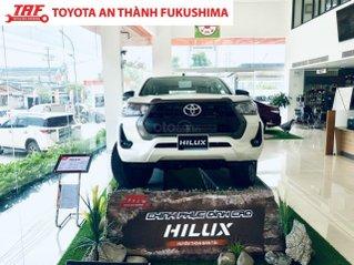 Toyota Hilux 2.4L (4x2) tự động giao ngay, giá giảm đặc biệt