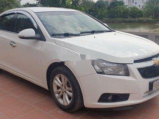 Cần bán Chevrolet Cruze sản xuất 2015, màu trắng chính chủ