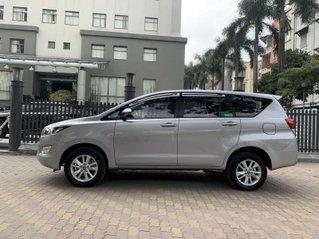 Bán xe Toyota Innova đời 2018, màu bạc, ít sử dụng, giá 575 triệu đồng
