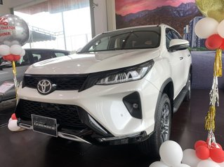 Toyota Fortuner 2.4 At Legender 2021 tự động mới 100% giao ngay