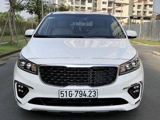 Cần bán gấp Kia Sedona năm 2019, màu trắng