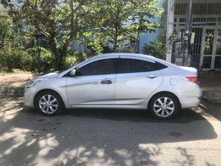 Bán Hyundai Accent sản xuất năm 2012, nhập khẩu nguyên chiếc còn mới, giá 370tr