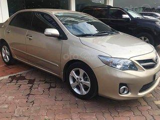 Cần bán gấp Toyota Corolla Altis sản xuất 2014, màu vàng còn mới