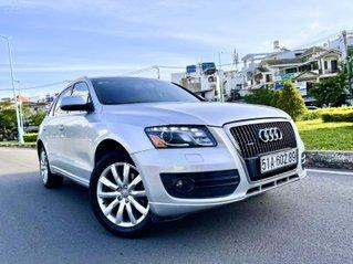 Audi Q5 nhập đức 2010 màu bạc, zin 5 chỗ, hàng full có rất nhiều đồ chơi cao cấp, hai cầu, số tự động 6 cấp, nội thất đẹp