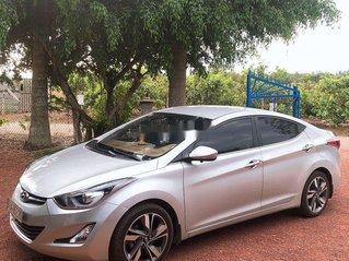 Cần bán gấp Hyundai Elantra sản xuất 2015, giá ưu đãi