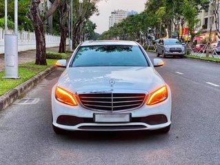 Bán xe Mercedes C200 Exclusive 2019, máy 2.0