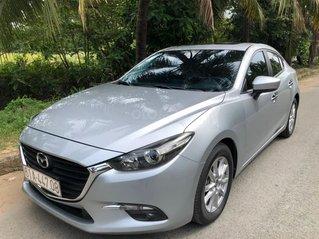 Cần bán xe Mazda 3 2018 1.5AT Sedan, màu bạc, giá tốt