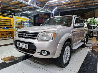 Cần bán Ford Everest đời 2013, màu bạc, xe nhập chính chủ