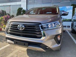 Toyota Innova 2.0E MT 2020 - ưu đãi cực tốt cho tháng cuối năm, có sẵn xe, giao ngay