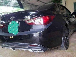 Cần bán gấp Hyundai Sonata sản xuất 2011, màu đen