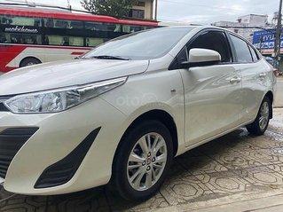 Cần bán lại xe Toyota Vios 2019, màu trắng số sàn, giá 410tr