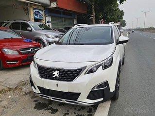 Cần bán Peugeot 3008 năm sản xuất 2018, màu trắng