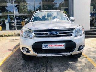 Cần bán Ford Everest đời 2014, màu bạc, giá mềm
