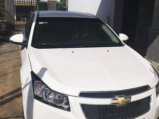 Cần bán lại xe Chevrolet Cruze đời 2015, màu trắng còn mới, 320tr