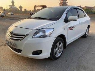 Xe Toyota Vios sản xuất năm 2010, màu trắng còn mới
