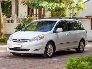 Cần bán gấp Toyota Sienna đời 2008, màu trắng, nhập khẩu