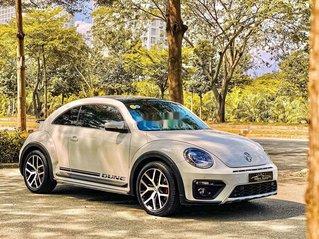 Xe Volkswagen Beetle đời 2017, màu trắng, xe nhập chính chủ