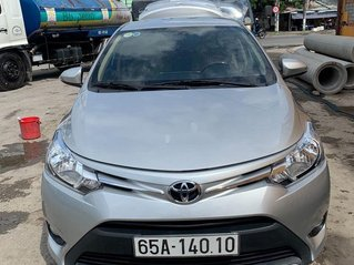 Bán Toyota Vios 2017, màu bạc chính chủ, giá 405tr