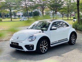 Xe Volkswagen Beetle đời 2018, màu trắng, xe nhập còn mới