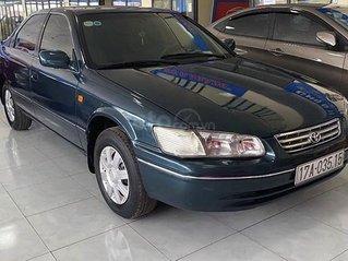 Xe Toyota Camry sản xuất 2001, màu xanh lam còn mới giá cạnh tranh