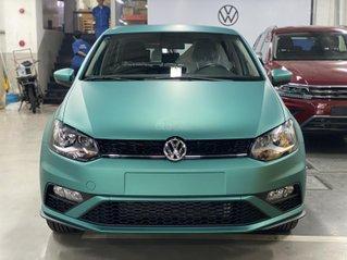 Polo Hatchback màu xanh lục bảo đẹp mắt - Polo HB 2020 nhập khẩu - khuyến mãi giảm tiền + voucher phụ kiện