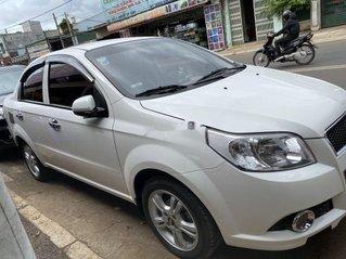 Cần bán xe Chevrolet Aveo sản xuất năm 2016, màu bạc