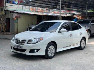 Cần bán gấp Hyundai Avante 2013, màu trắng, xe nhập
