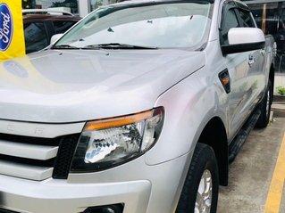 Bán xe Ford Ranger đời 2013, màu bạc nhập khẩu nguyên chiếc giá 425 triệu đồng
