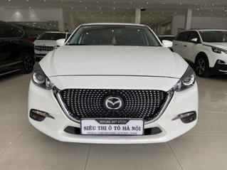 Bán xe Mazda 3 1.5SD màu trắng, siêu lướt, trả góp chỉ 213 triệu