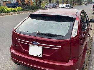 Cần bán xe Ford Focus sản xuất 2010, màu đỏ còn mới
