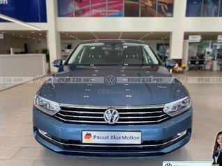 Passat Bluemotion màu xanh dương đẹp hiếm có - khuyến mãi 12 % - Sedan nhập khẩu 100% Đức