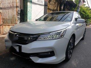 Bán gấp Honda Accord 2.4 màu trắng mới 95% giá 869 triệu chỉ có 01 chiếc như mới
