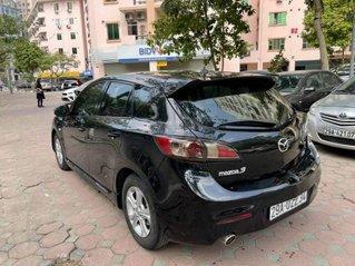 Xe Mazda 3 đời 2010, màu đen, dáng hatchback