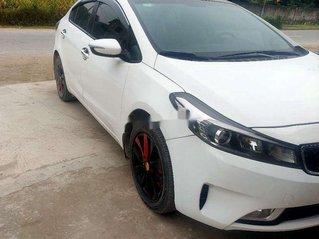 Cần bán xe Kia Cerato sản xuất năm 2016, màu trắng