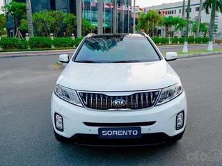 Kia Sorento 2.2 DAT Premium trắng, có xe giao trong tháng 1, tặng BHVC