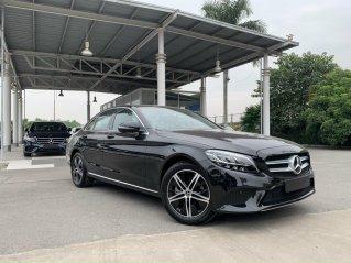 Mercedes-Benz C180 2020 đen, xe lướt chính hãng, xe mới 99,99% bao test, giá cực tốt
