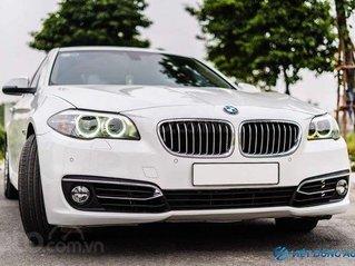BMW 520i màu trắng nội thất kem hiếm có khó tìm sx 2014