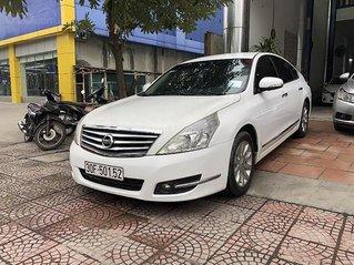 Bán Nissan Teana năm sản xuất 2009, màu trắng, nhập khẩu nguyên chiếc còn mới, giá chỉ 385 triệu
