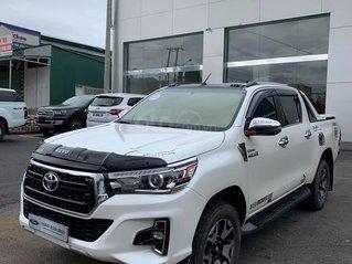 Bán ô tô Toyota Hilux đời 2019, màu trắng, 855 triệu