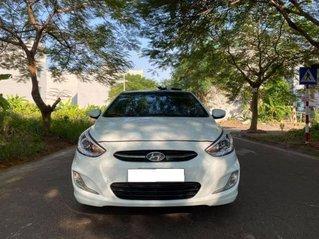 Cần bán Hyundai Accent sản xuất năm 2015, màu trắng còn mới