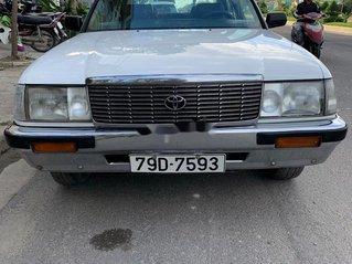 Xe Toyota Crown năm 1995, màu bạc, giá 125tr